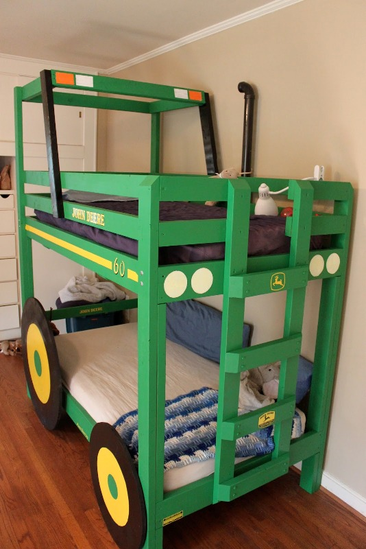 Image of: Cool Tractor Bunk Beds for Boy