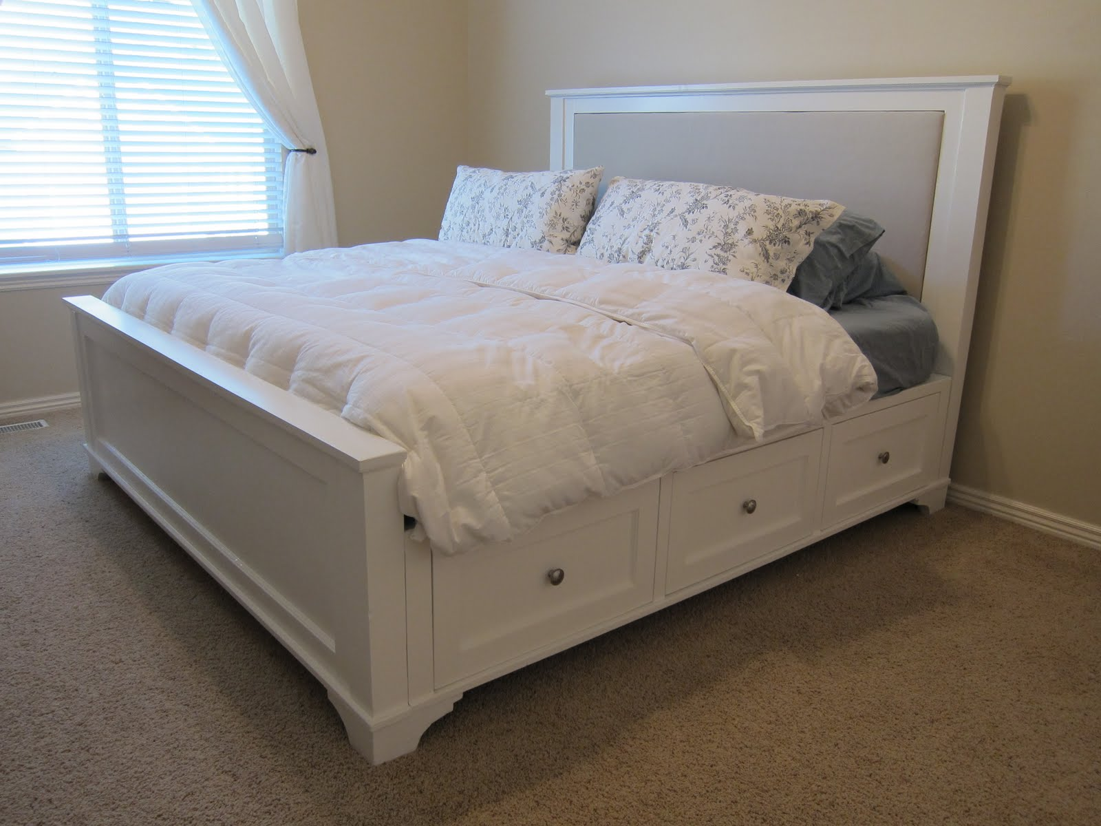 Image of: Diy Bed Frame White