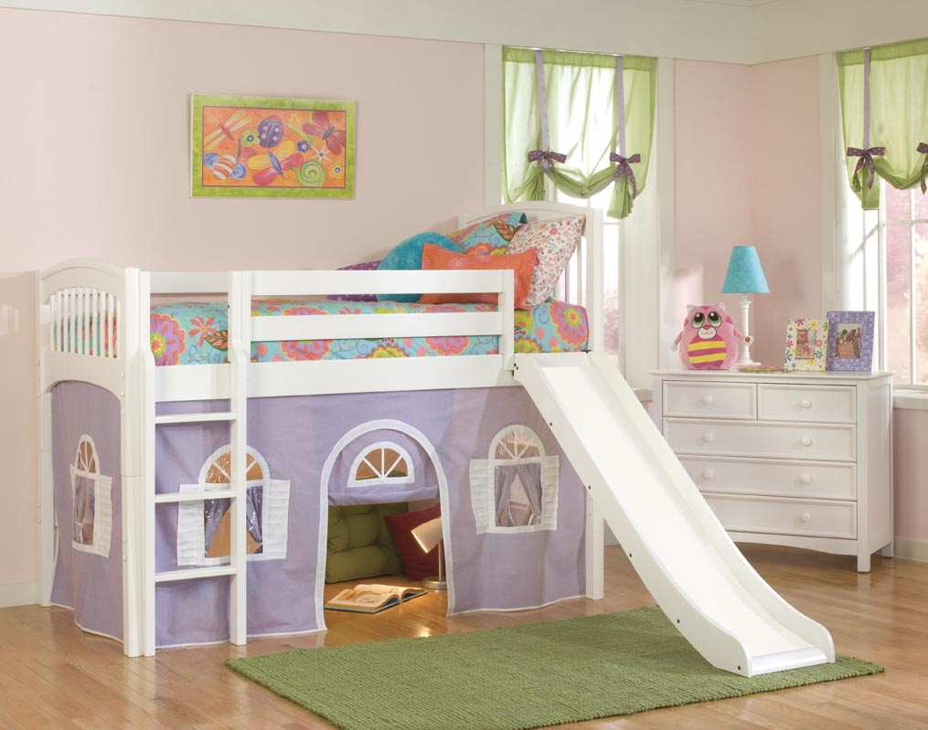 Image of: Modern Bunk Bed with Slide