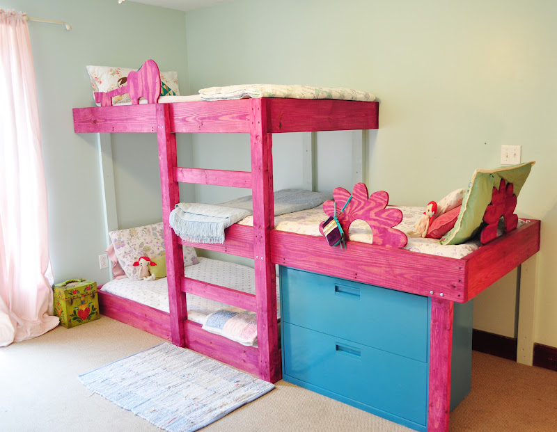 Image of: Pink triple bunk bed