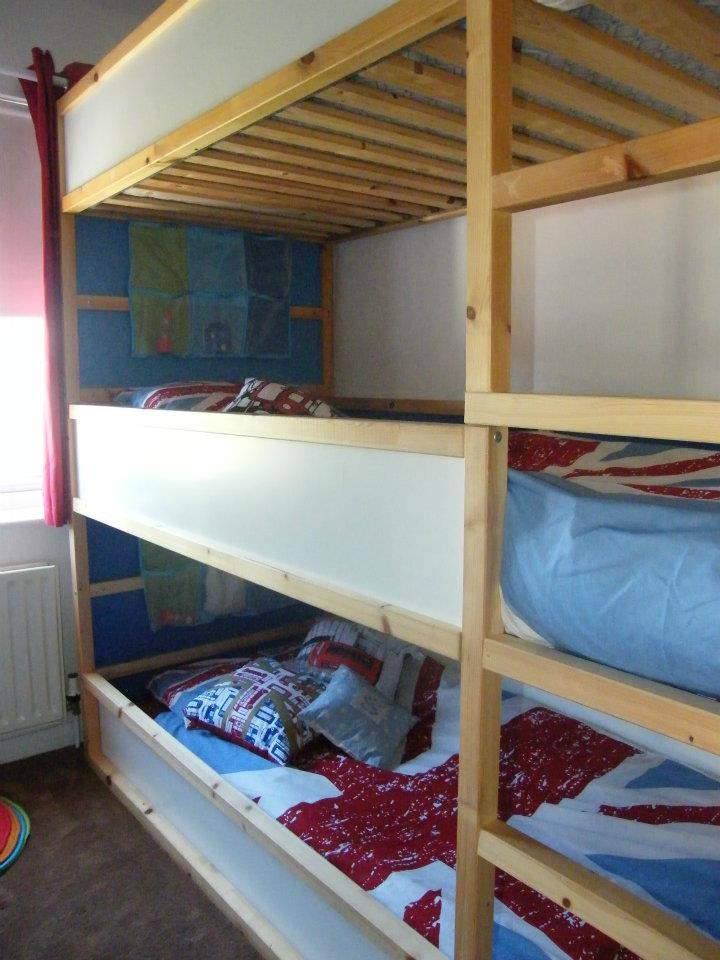 Image of: Triple bunk bed with stairs