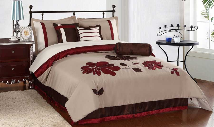 Image of: cozy queen size bedding