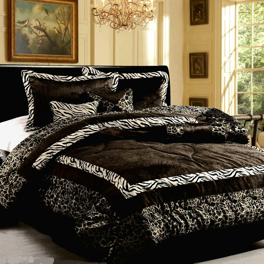 Image of: queen size bedding info