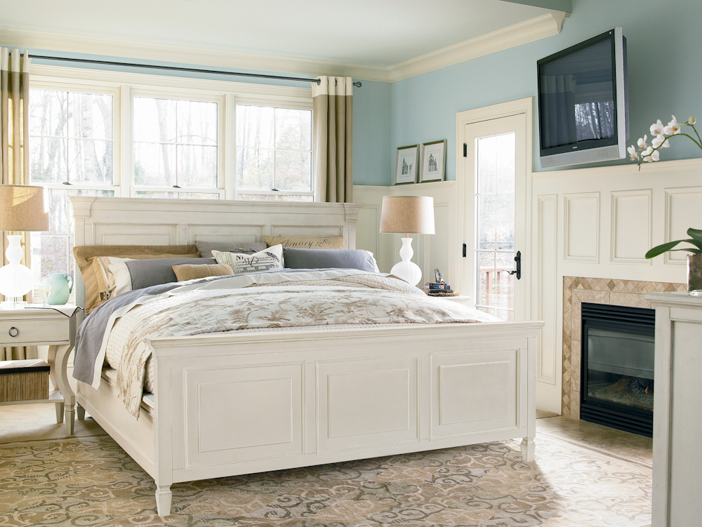 Image of: White paula deen bedroom furniture