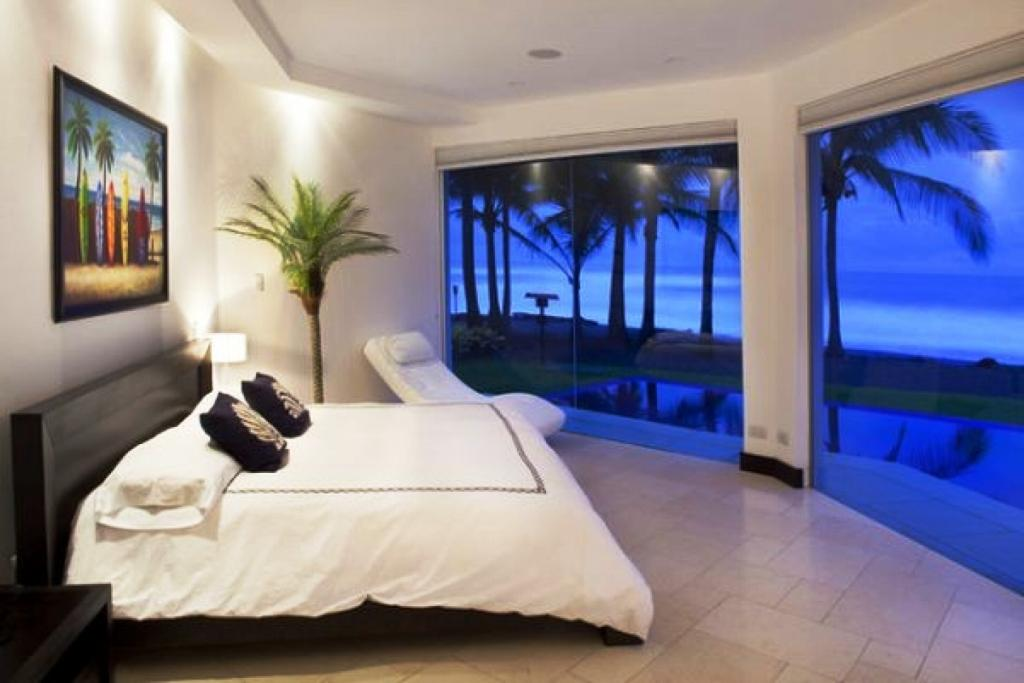 beach themed bedrooms Colors