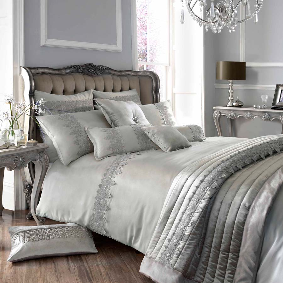Image of: Antique Contemporary Luxury Bedding Design