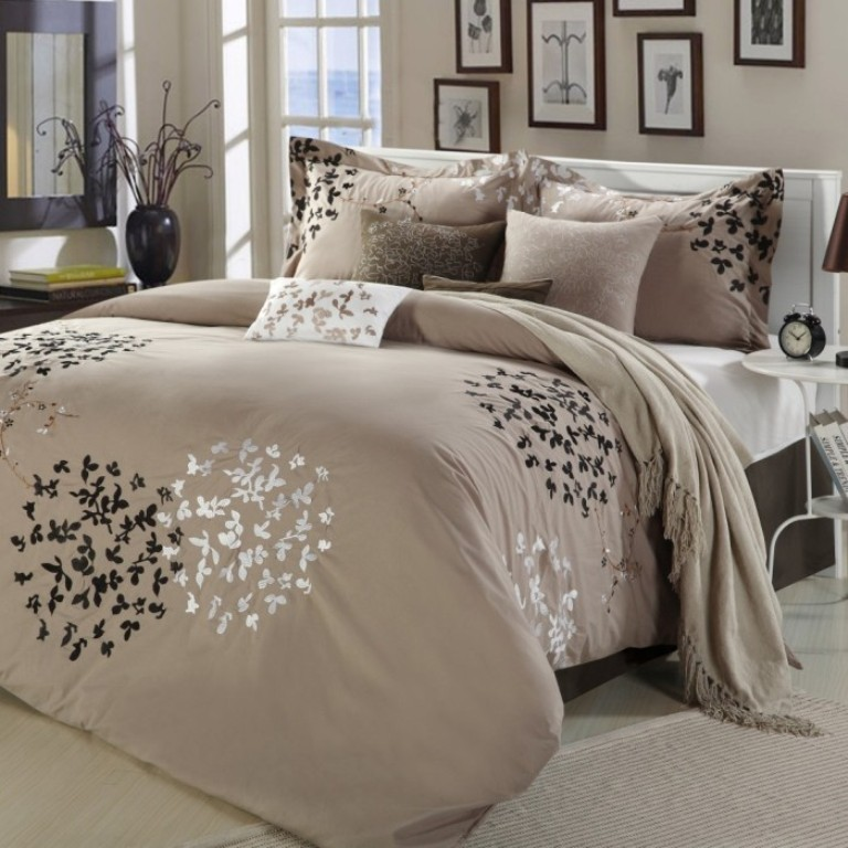 Image of: Contemporary Bedspreads Set
