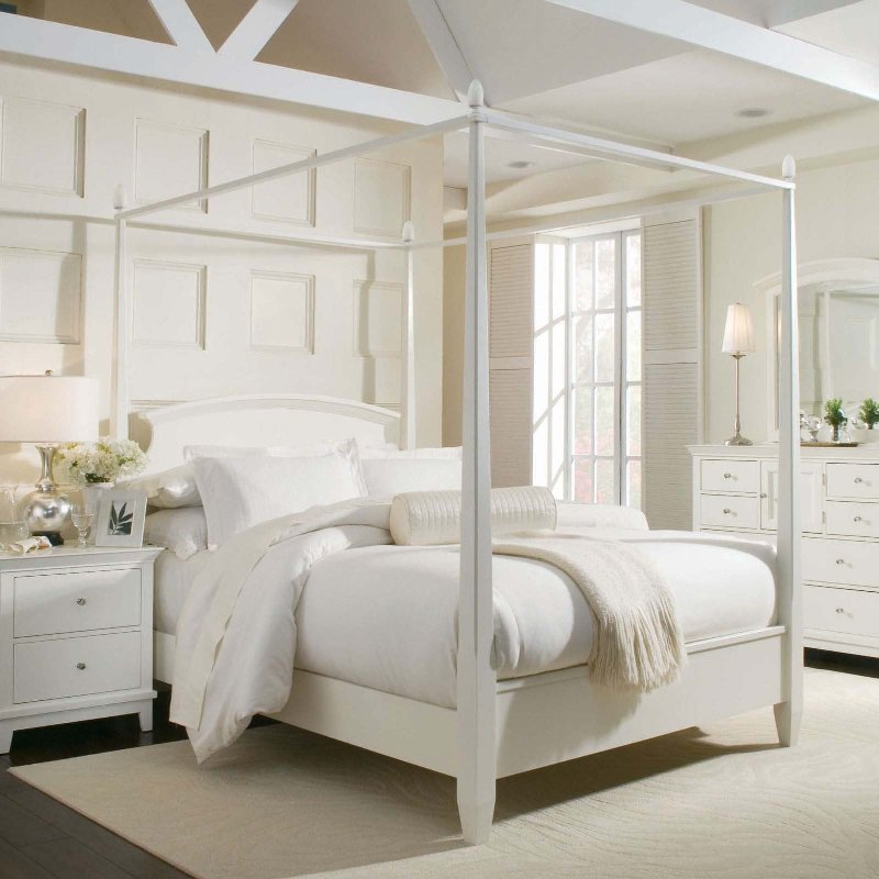Image of: Contemporary Canopy Bed Style
