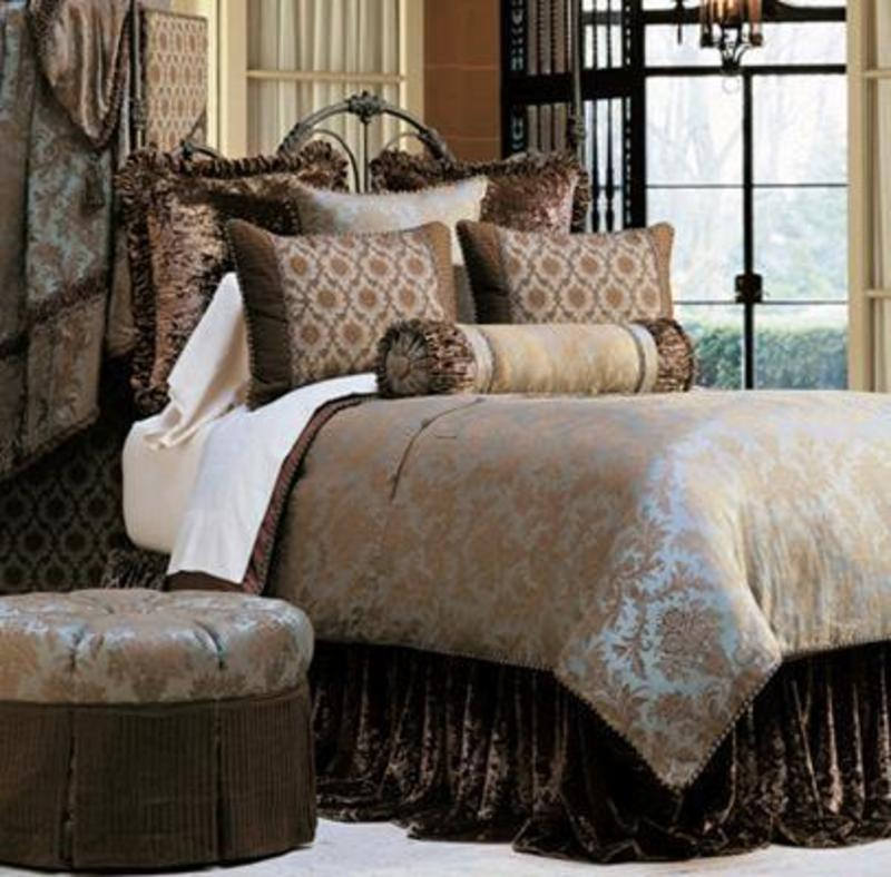 Image of: Contemporary Luxury Bedding Classic