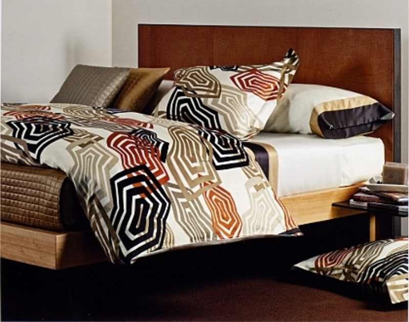 Image of: Contemporary Luxury Bedding Trend