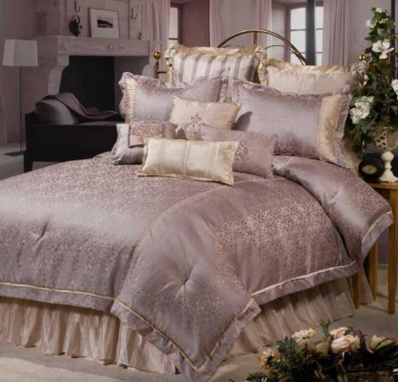 Image of: Contemporary Luxury Bedding Ideas