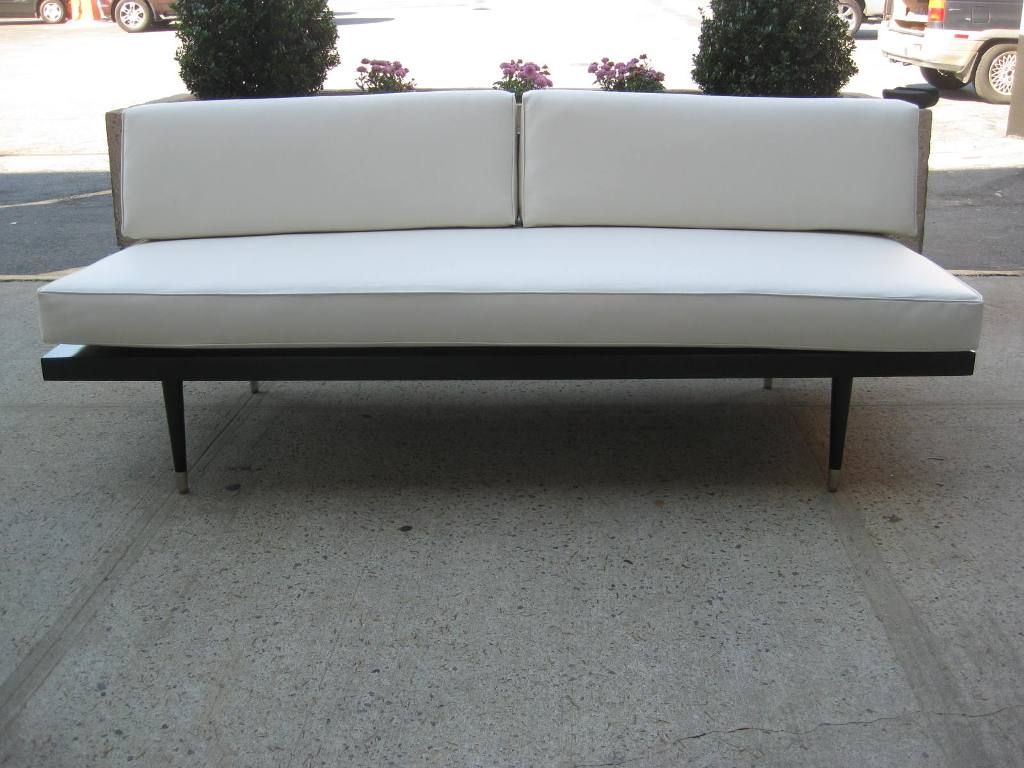 Image of: Custom Contemporary Daybed