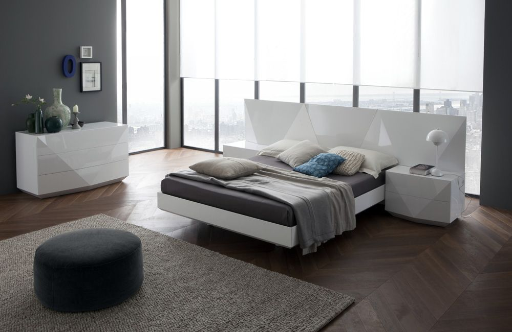 Image of: Design of Contemporary Bed Set