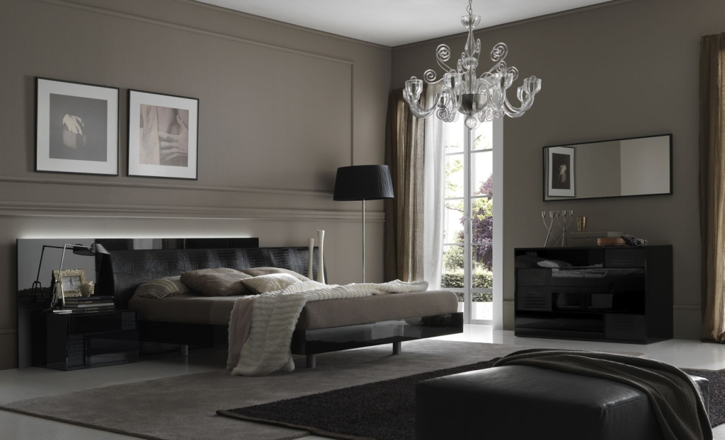 Image of: Large Contemporary Bedroom Sets