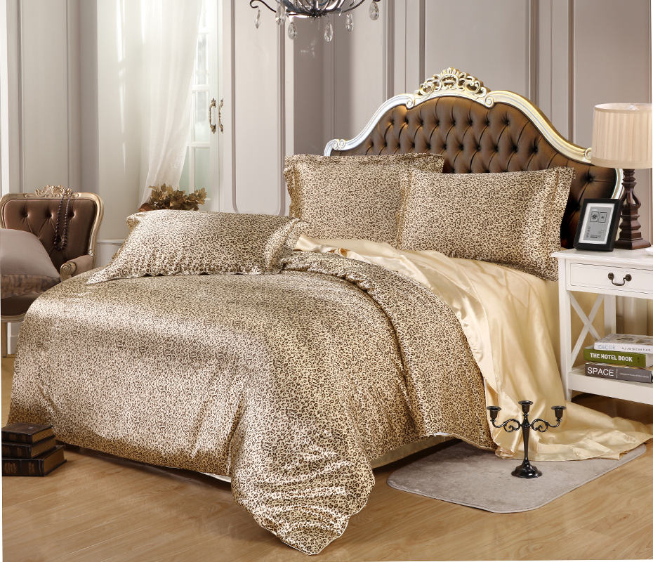 Image of: Luxury Contemporary Bedding Design
