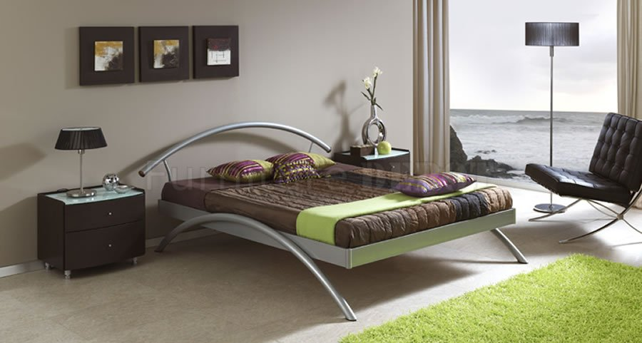 Image of: Metal Contemporary Bed Frames