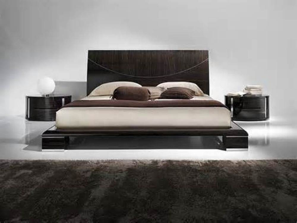 Image of: Wood Contemporary Bedspreads