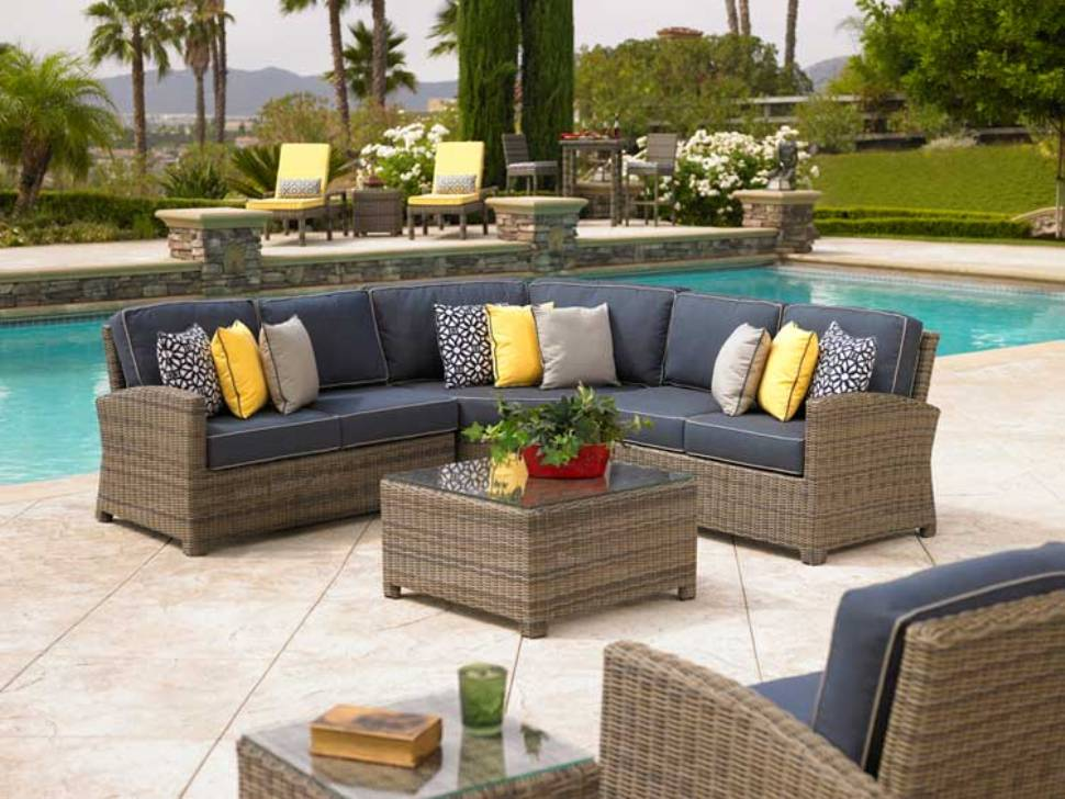 Image of: Sectional Patio Furniture Sets