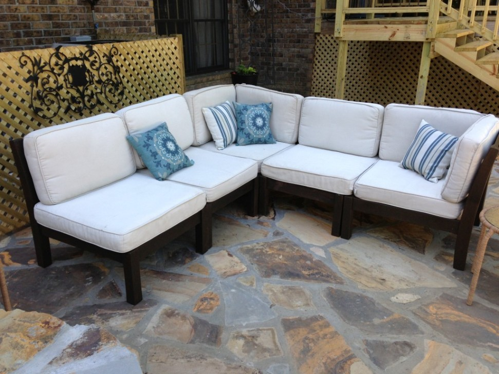 Image of: Sectional Patio Furniture with Fire Table