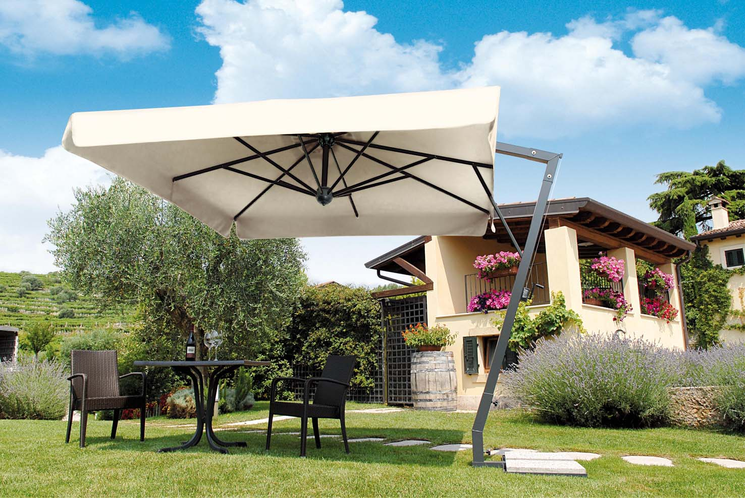 Image of: Top Large Patio Umbrellas