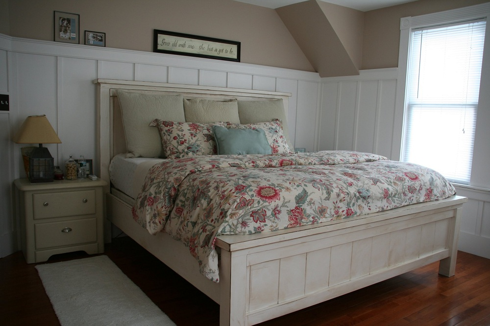 Image of: Awesome Alaskan King Bed