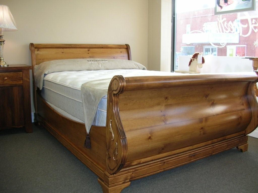 Image of: King Sleigh Bed Pine
