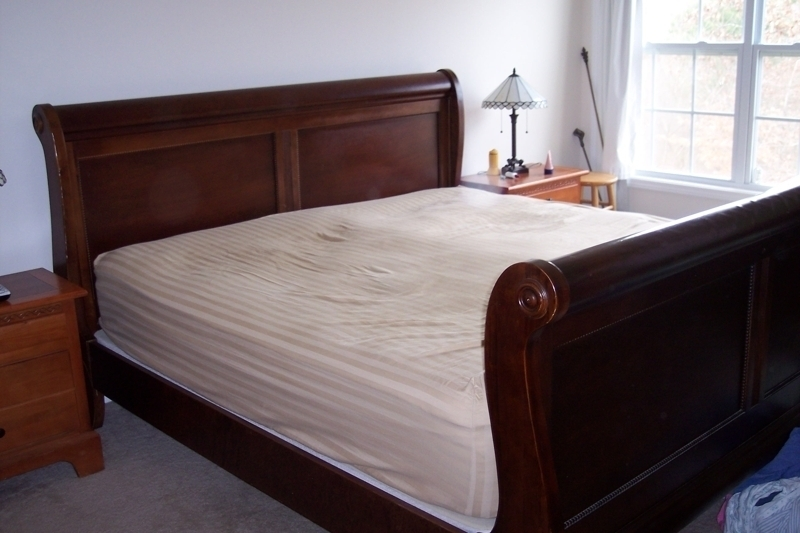 Image of: King Sleigh Bed Size