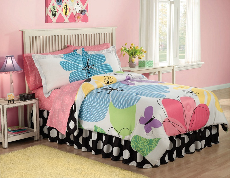 Image of: Multi Colored Teen Bedding Sets