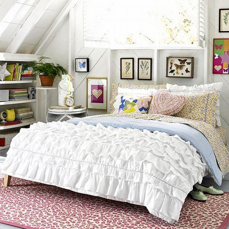 Image of: White Bedding Sets for Teens