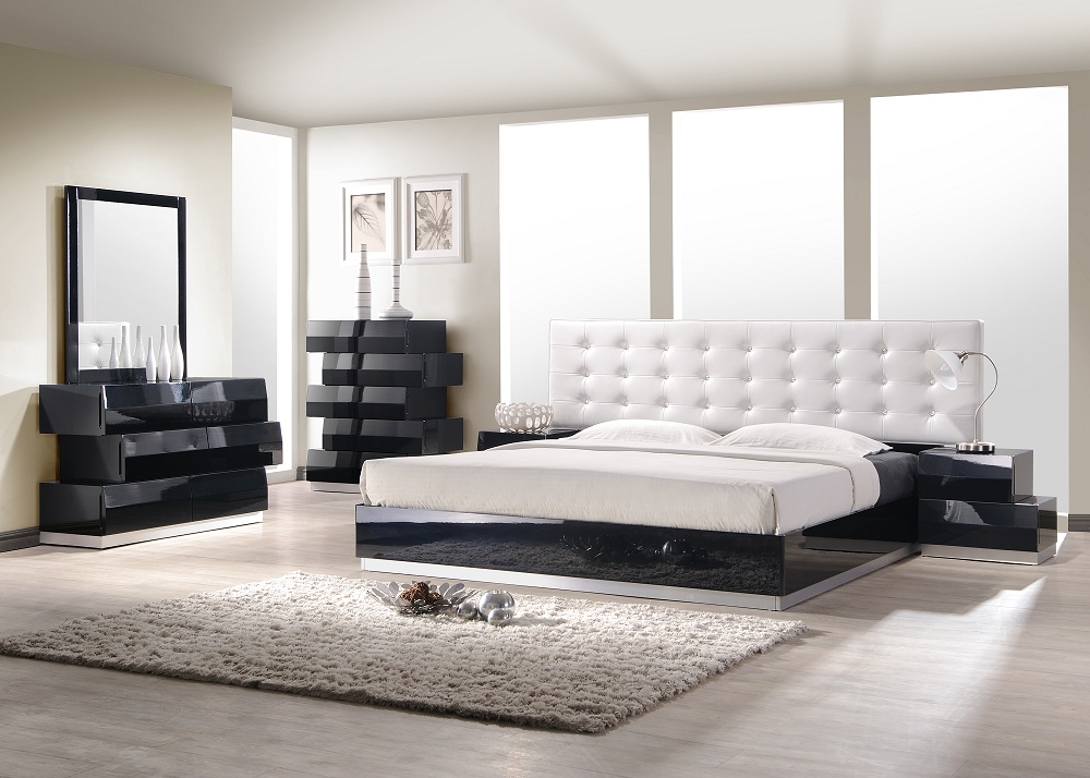 White Modern King Sized Bed