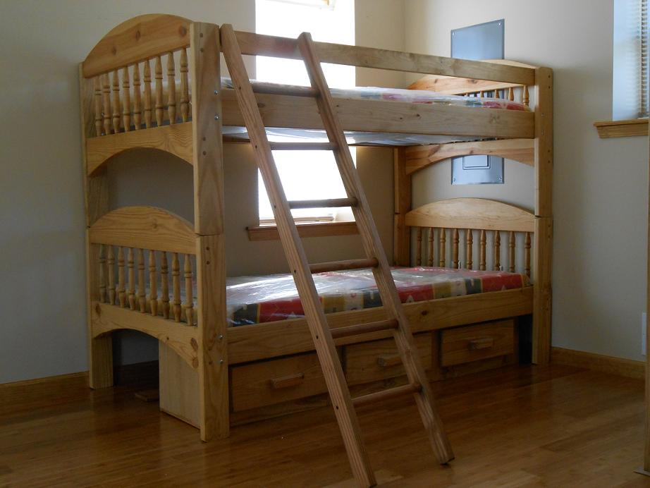 Image of: Affordable Bunk Beds Simple