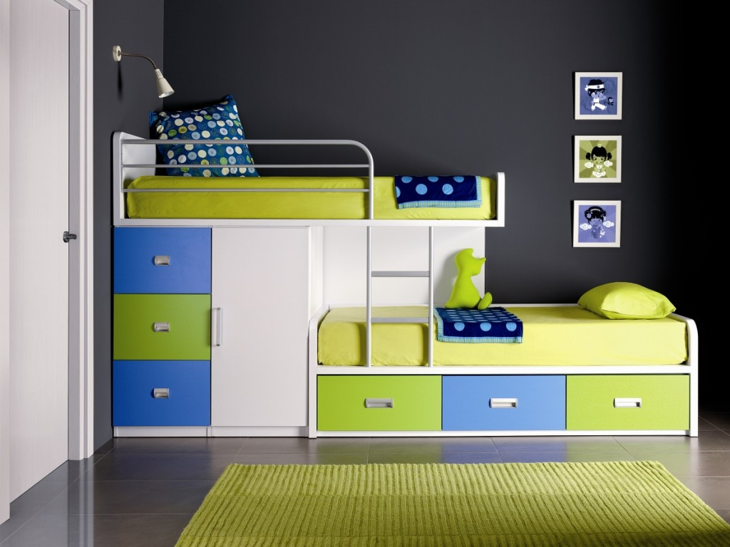 Image of: Boy Bunk Beds with Desk