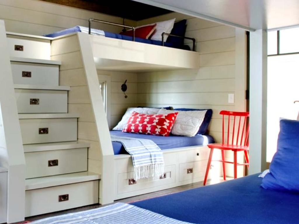 Image of: Built In Bunk Beds for Cabin