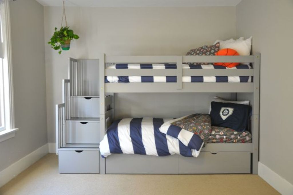 Image of: Bunk Beds for Kids with Stairs Ideas