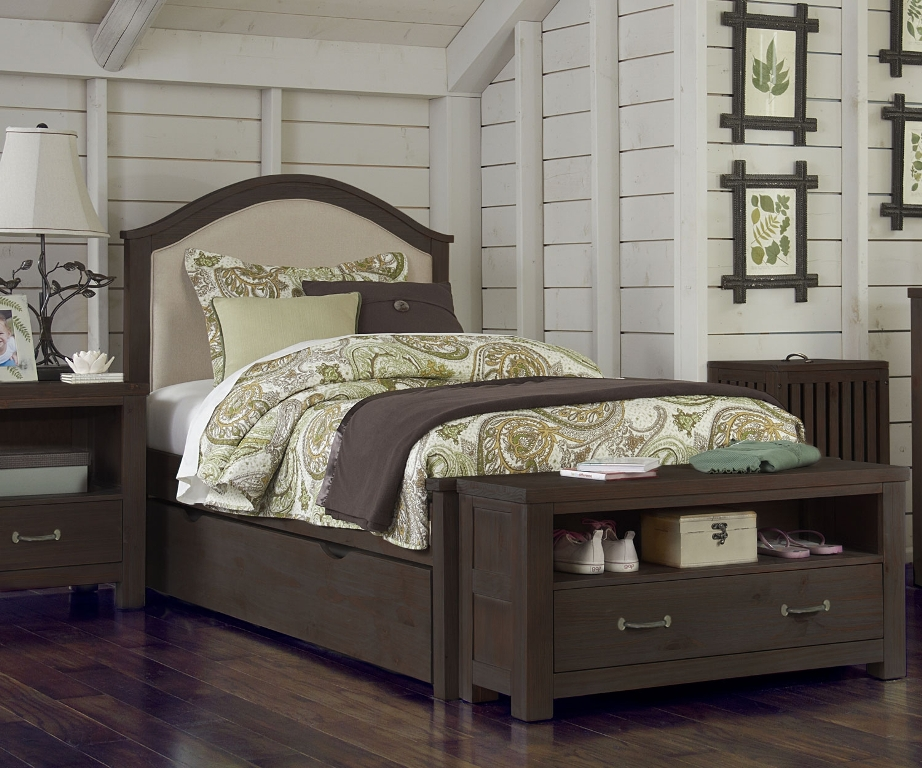 Image of: Diva Upholstered Twin Bed