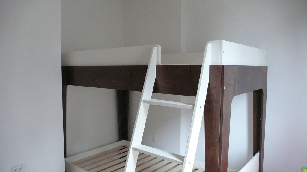 Image of: Oeuf Perch Bunk Bed