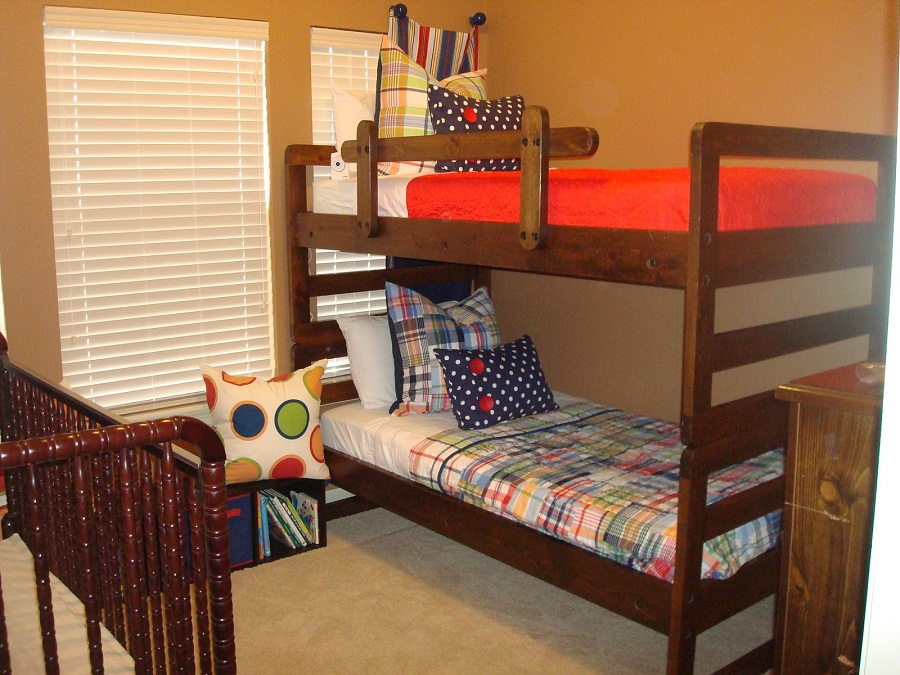 Image of: Pottery Barn Loft Bed Well Groomed