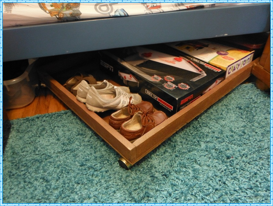 Image of: Simple Underbed Shoe Storage