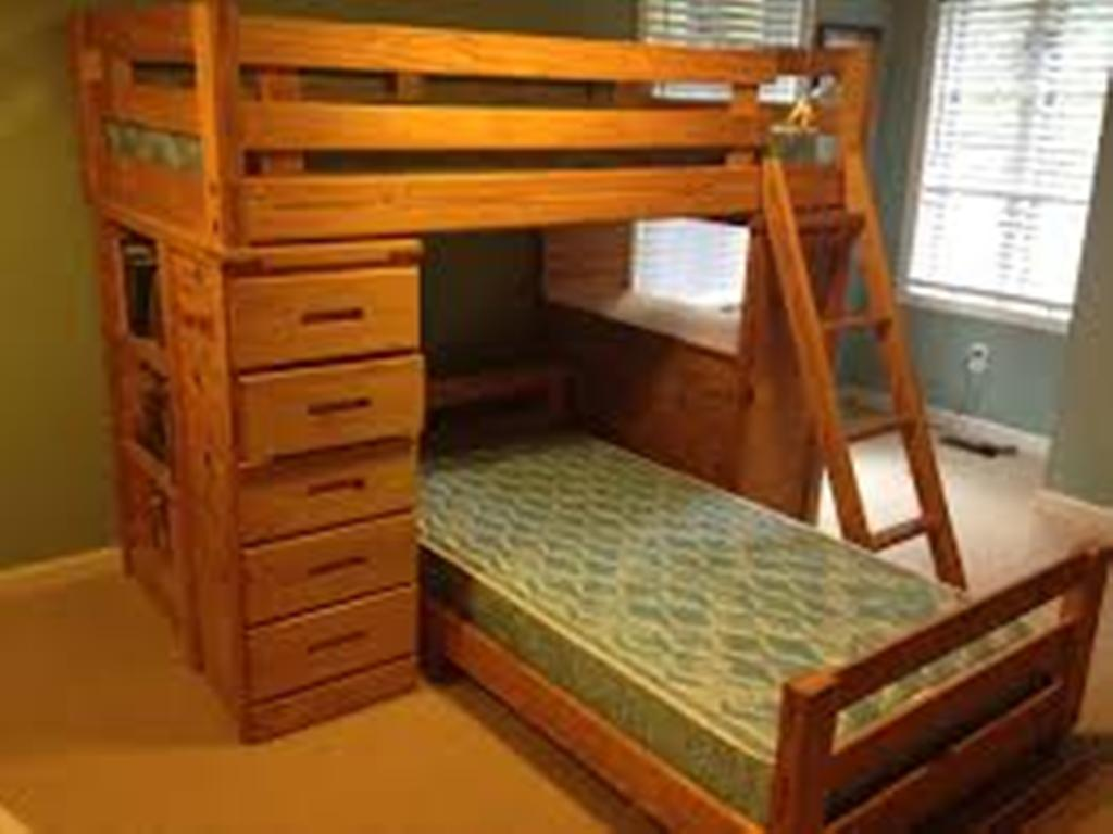 Image of: Solid Wood Bunk Beds with Drawers and Desk