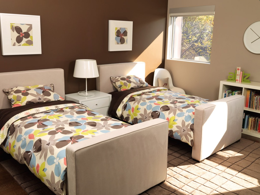Image of: Upholstered Twin Bed with Nail head Trim