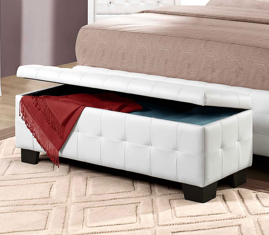 Image of: Beautiful End Of Bed Storage Bench