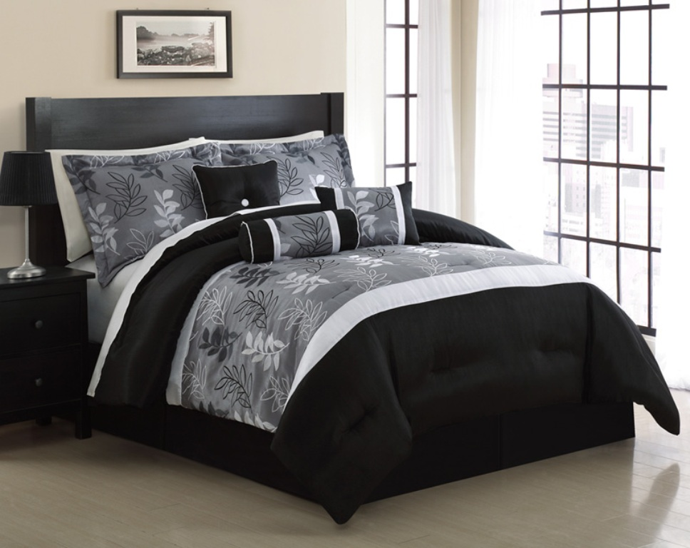 Image of: Cal King Bedding Sets Comforters