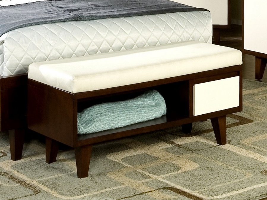 Contemporary End Of Bed Storage Bench