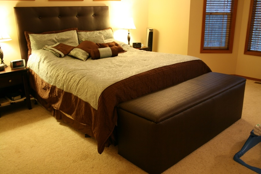 Image of: End Of Bed Storage Bench Furniture