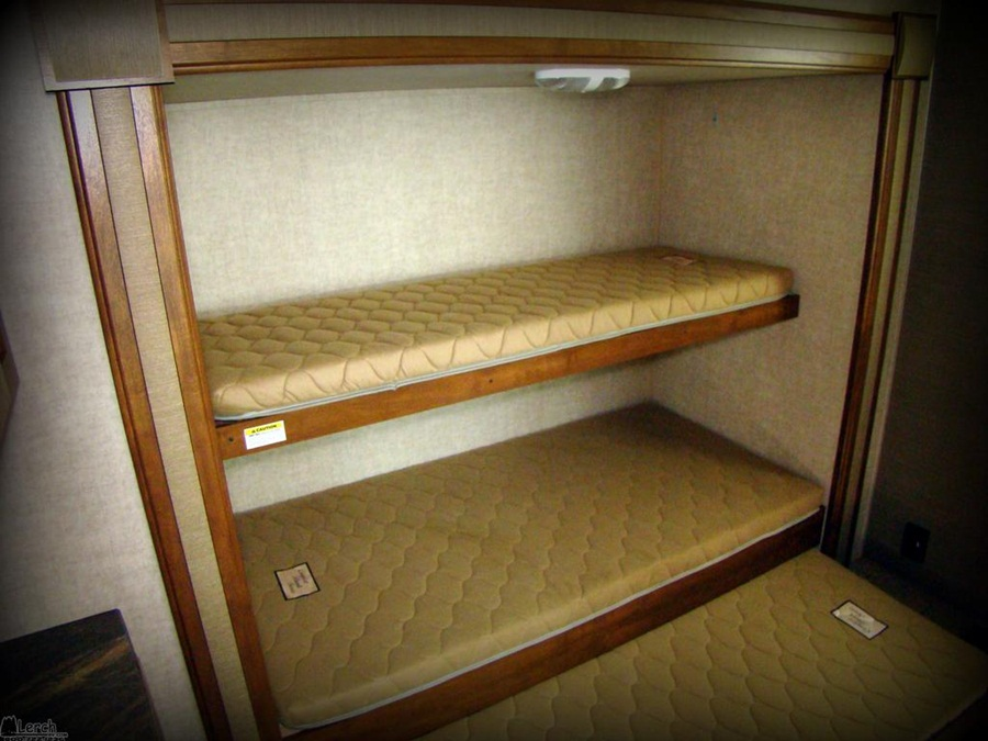 Image of: Ideas For RV With Bunk Beds