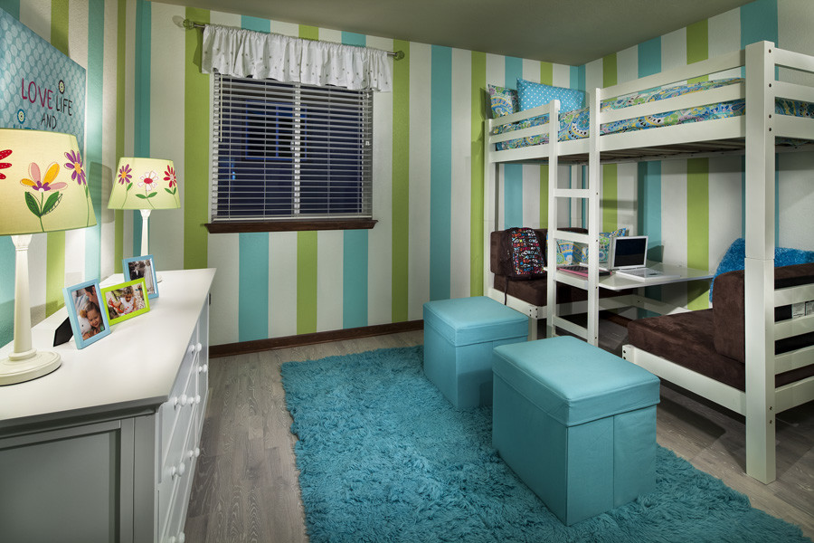 Image of: Kids Bunk Beds with Desk Paint