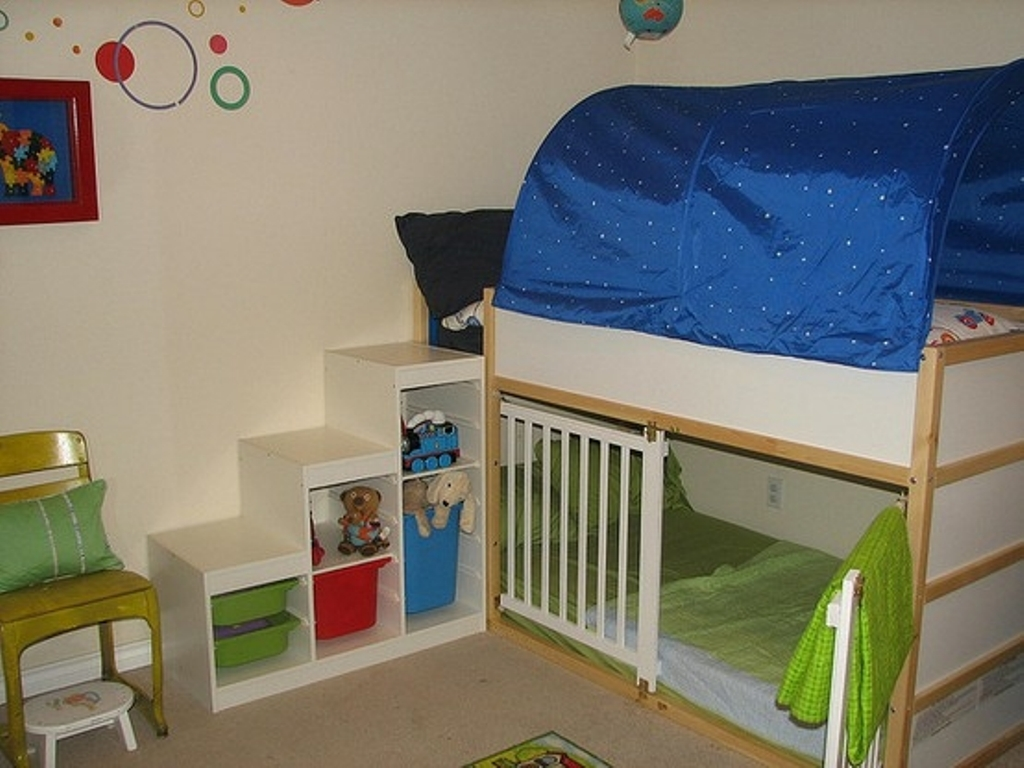 Image of: Kura Loft Bed Picture