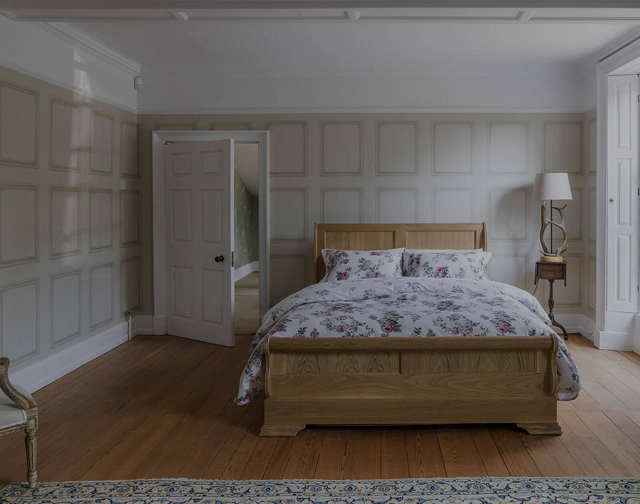 Image of: Luxury Solid Wood Twin Bed