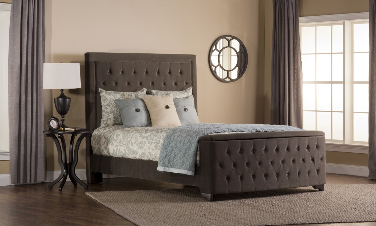Image of: New Upholstered King Bed