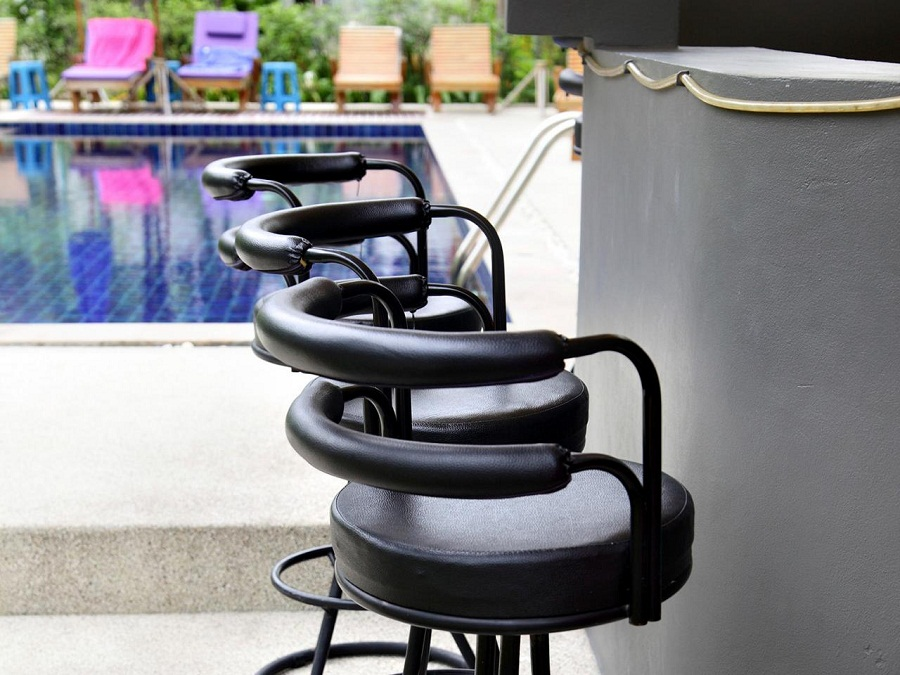 Image of: Outdoor Barstools Leather